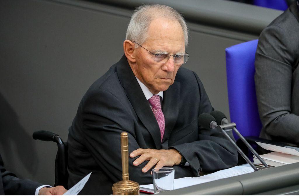 """Die CSU-Fraktion hatte Bundestagspräsident Wolfgang Schäuble (CDU) gebeten zu überprüfen, inwiefern Horst Seehofer """"in seiner Tätigkeit als Parteivorsitzender"""" auf Mittel des Ministeriums zurückgegriffen habe. Foto: dpa"""
