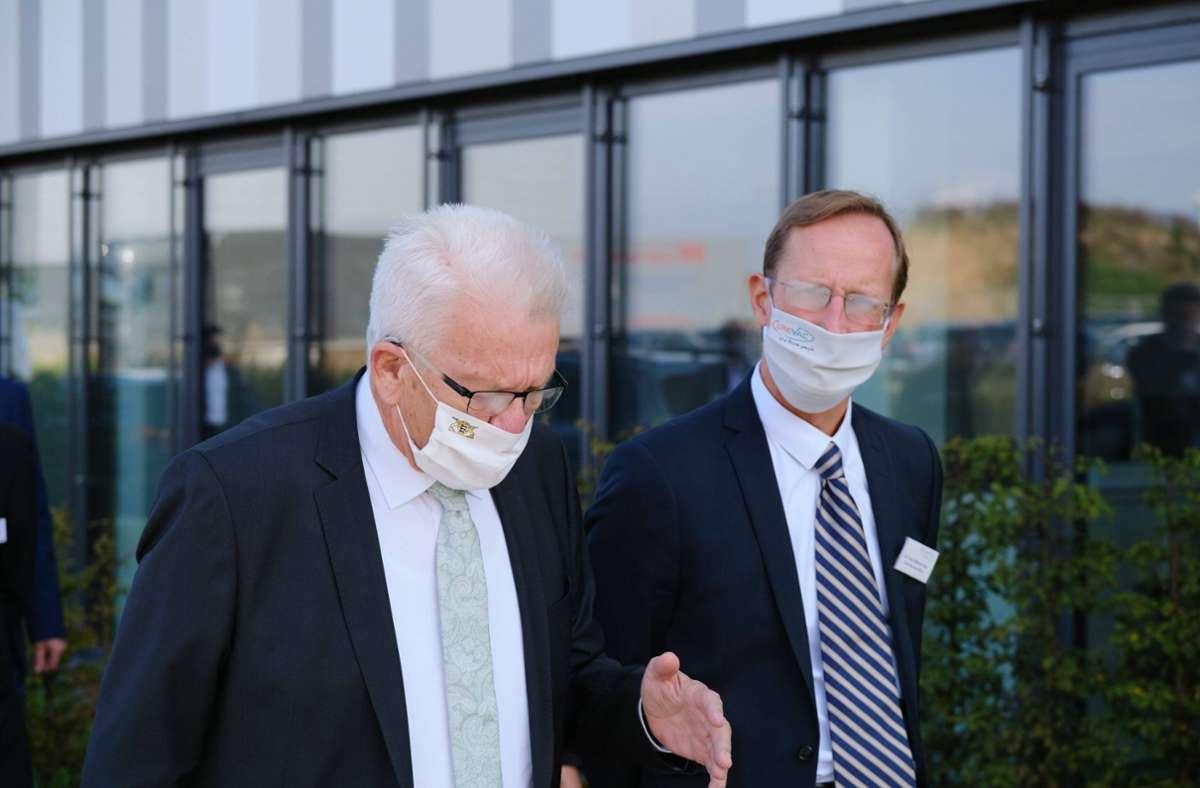 Franz-Werner Haas (rechts) im Gespräch mit Winfried Kretschmann. Foto: imago images/Eibner/Eibner-Pressefoto/Thomas Dinges
