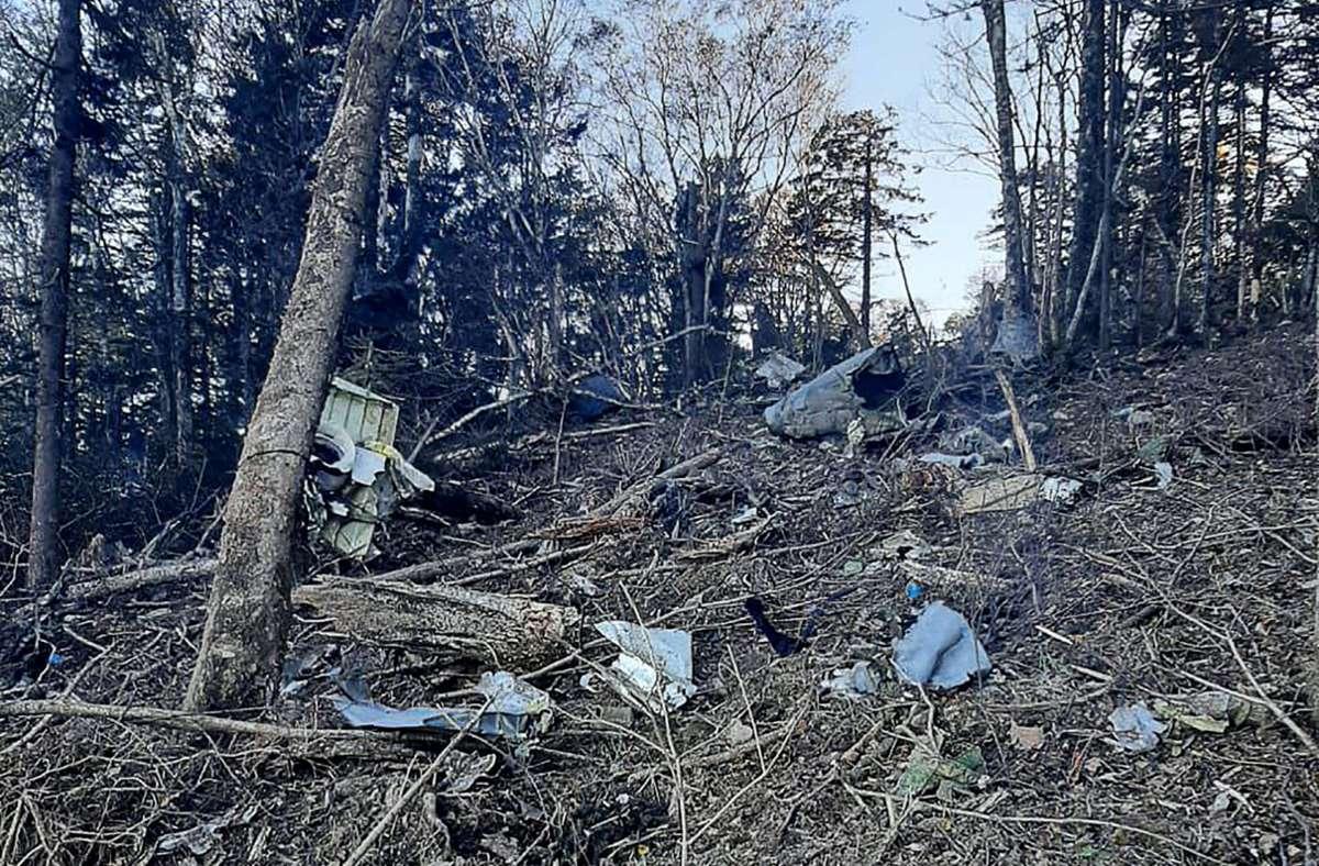Die Trümmerteile des abgestürzten Flugzeugs befinden sich in der Nähe der Stadt Chabarowsk in Russland. Foto: dpa/Mikhail Degtyarev Telegram Accou