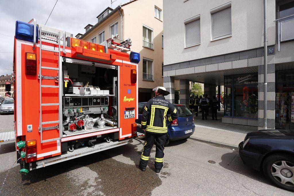 Im Kellergeschoss der Stadtteilbücherei in Botnang ist am Dienstagvormittag ein Schwelbrand ausgebrochen. Bei dem Feuer wurde der Hausmeister des Gebäudes leicht verletzt. Foto: www.7aktuell.de | Florian Gerlach