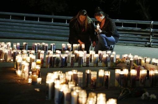 Mindestens zehn Tote bei Schießerei an US-College