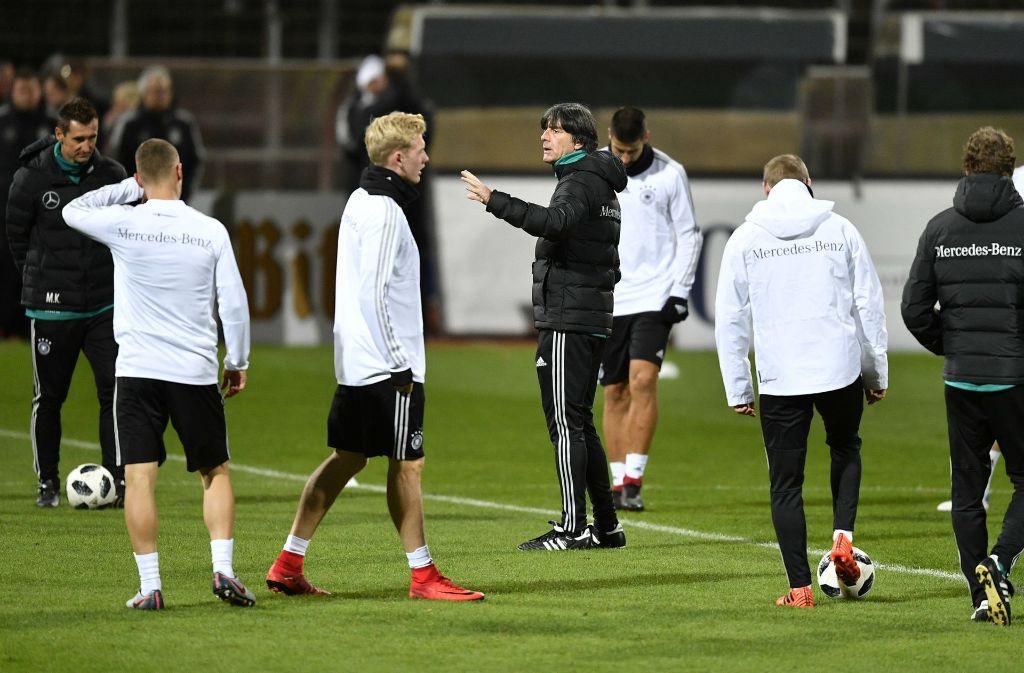 Joachim Löw will seinen Experimentierkurs Richtung WM 2018 in Russland kompromisslos fortsetzen. Foto: AP