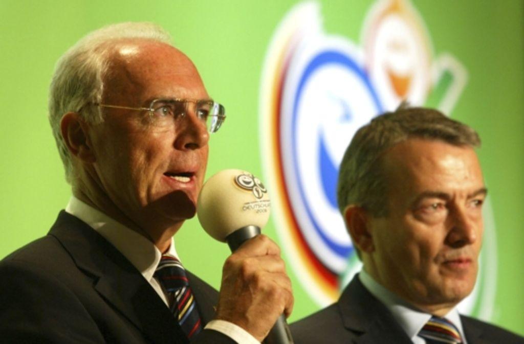 Franz Beckenbauer (links) und Wolfgang Niersbach standen an der Spitze des Organisationskomitees. Foto: Gettyabo