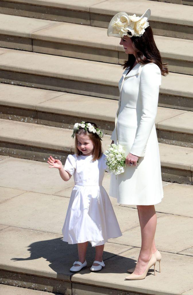 Ein Kleid, zwei Anlässe: Das grasgrüne Mantelkleid trug Herzogin ...