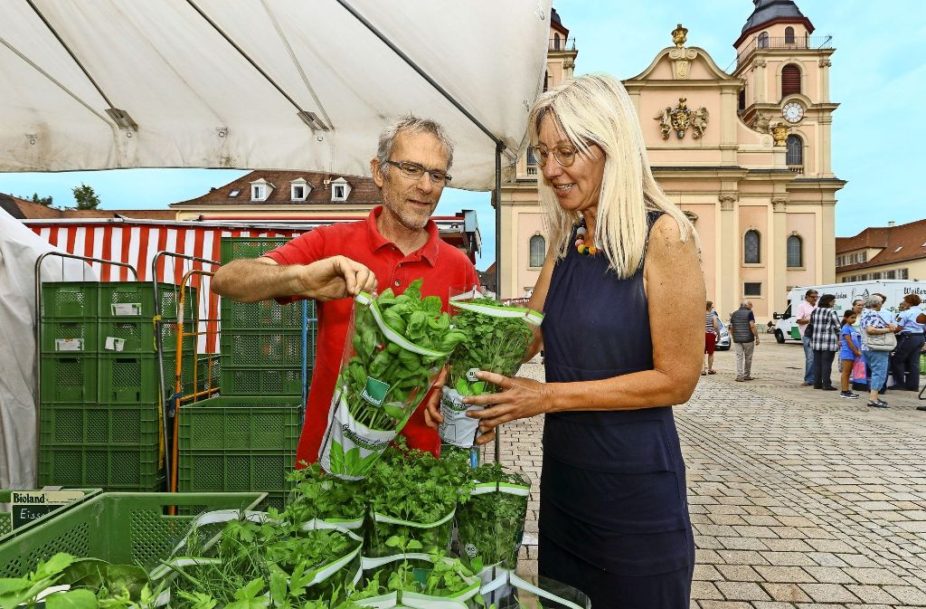 Ingrid Hönlingers  liebster Ort in Ludwigsburg liegt  direkt vor ihrer Bürotür. Sie arbeitet als Rechtsanwältin am Marktplatz, wo sie auch gerne einkauft. Foto: factum/Granville