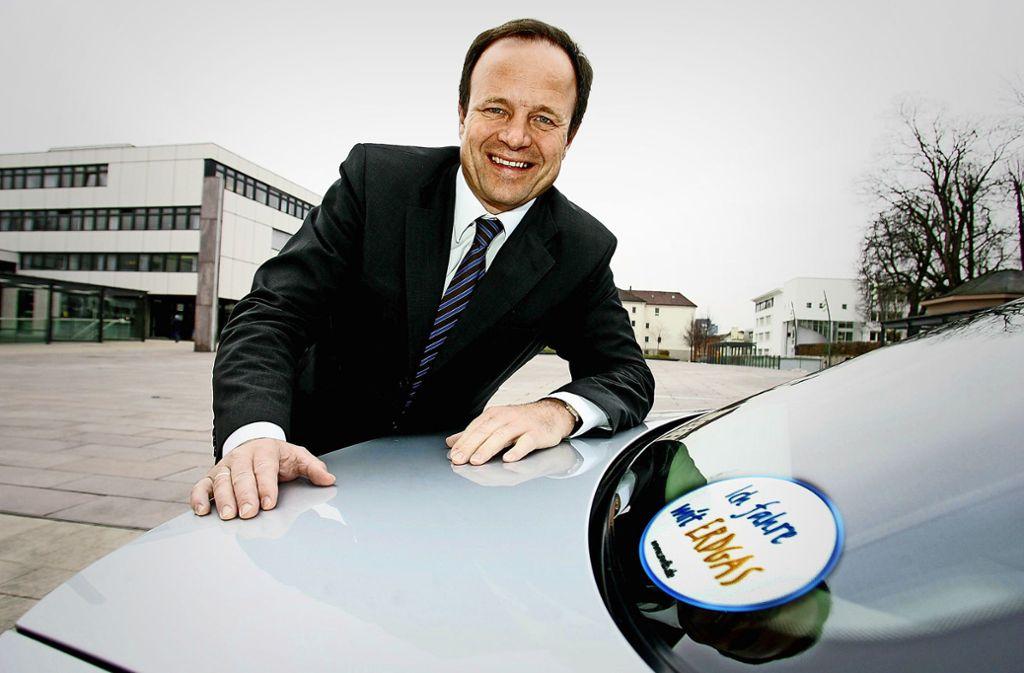 Werner Spec im Jahr 2007 innovativ mit seinem erdgasbetriebenen Dienstwagen. Foto: