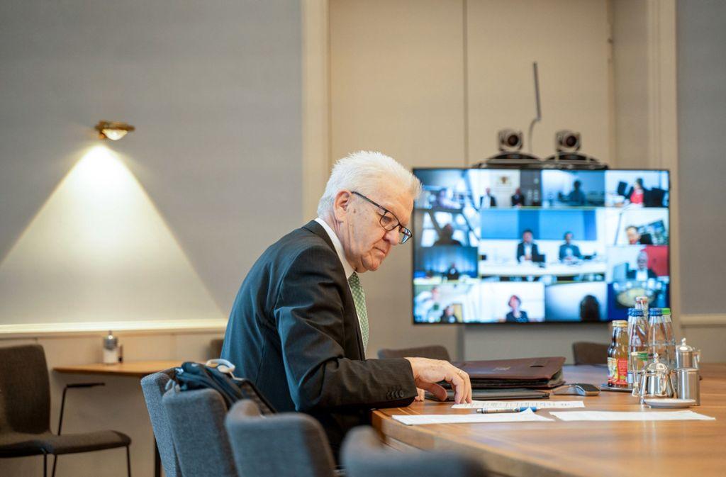 Ministerpräsident Winfried Kretschmann meldet sich in der Corona-Krise zu Wort. Foto: dpa/Jana Hoeffner