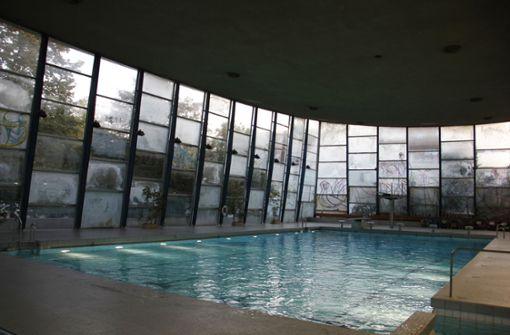 Hallenbad Feuerbach  bleibt   länger geschlossen