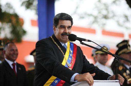 Venezuelas Präsident schließt Grenze zu Brasilien