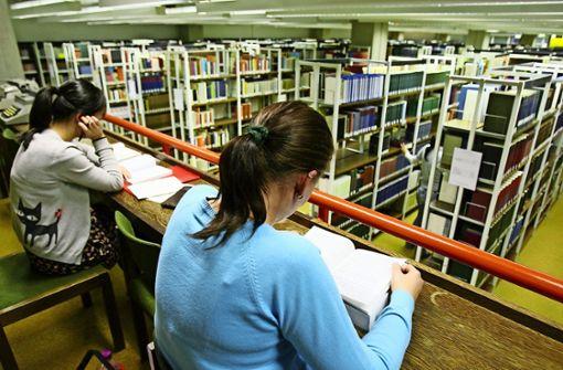 Bibliotheken bieten Lernberatung per Telefon, Mail oder Chat an