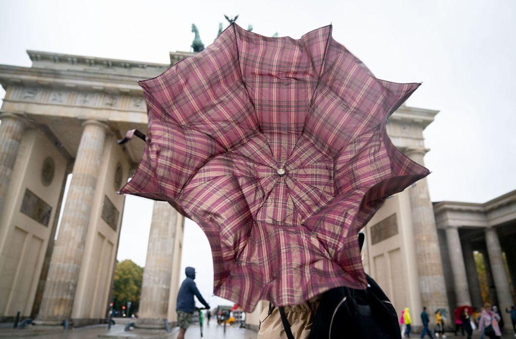 """Laut des Deutschen Wetterdiensts wird Orkan """"Sabine"""" gefährlich (Symbolbild). Foto: dpa/Kay Nietfeld"""