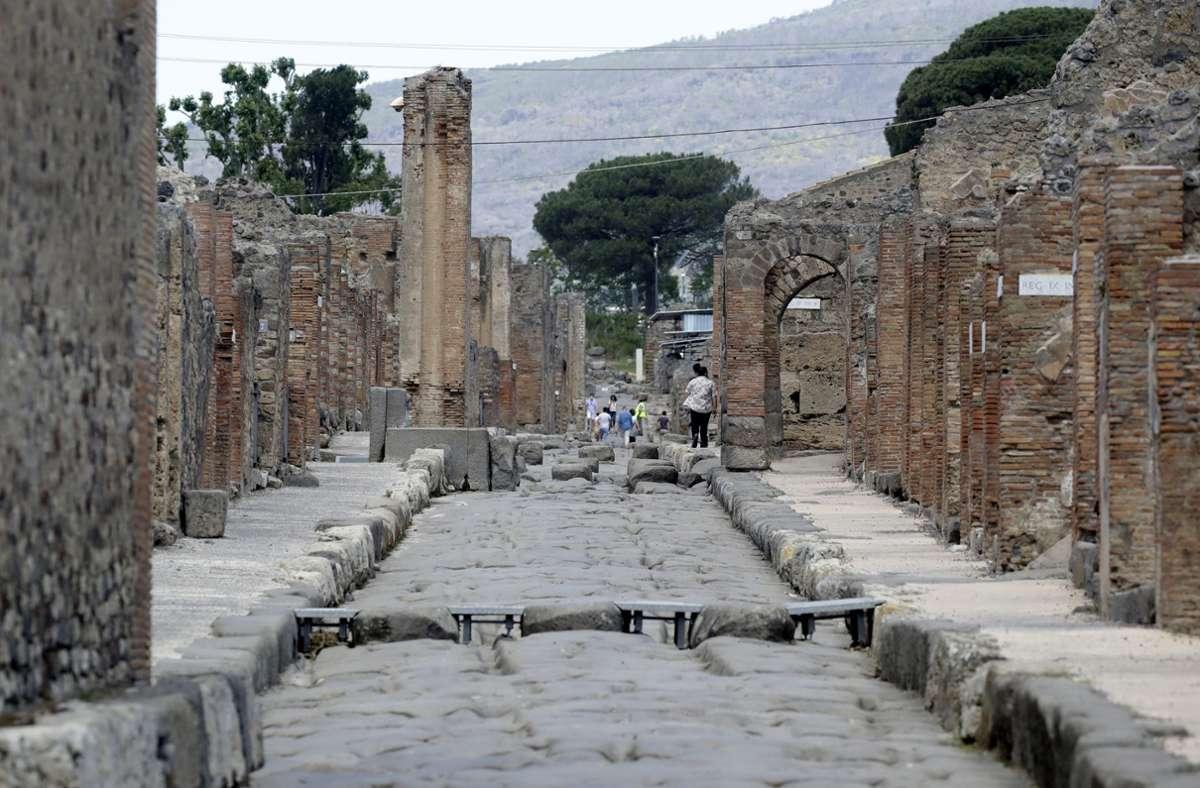 In den Straßen der versunkenen Stadt Pompeji darf wieder gebummelt werden. Foto: dpa/Alessandra Tarantino