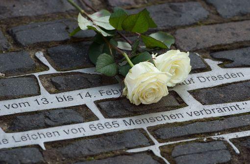 Dresden gedenkt Bombenopfer und erinnert an Schuld