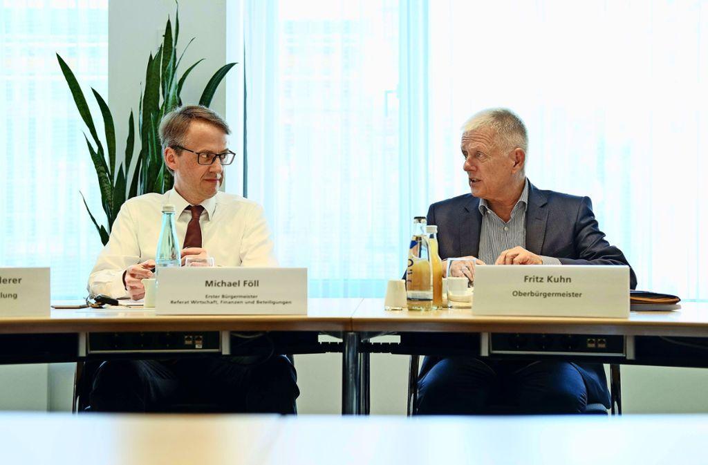 OB Kuhn (rechts) muss von März 2019 an auf seinen langjährigen Stellvertreter Michael Föll verzichten. Ihm folgt vermutlich der CDU-Stadtrat Thomas Fuhrmann. Foto: Lichtgut/Leif Piechowski