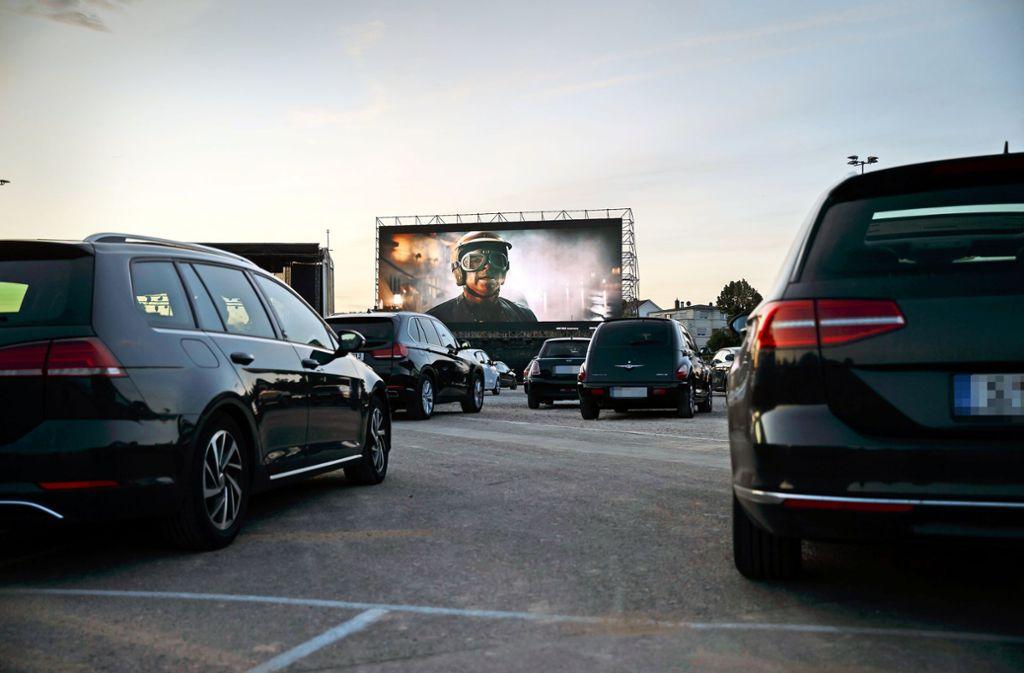 Das passt wie der Tiger in den Tank: Der Kulturwasen zeigt einen Rennfahrerfilm im Autokino. Foto: Lichtgut/Julian Rettig