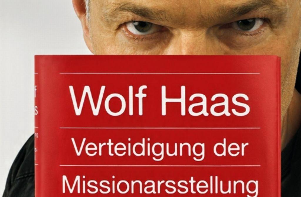 Hinter seinem neuen Roman muss sich Wolf Haas nicht verstecken. Foto: Verlag