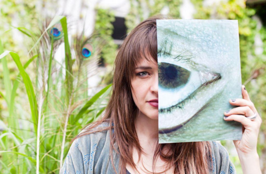 Sally Grayson alias Black Swift bringt am Freitag ihr erstes Album heraus: The World Howls. Foto: Promo