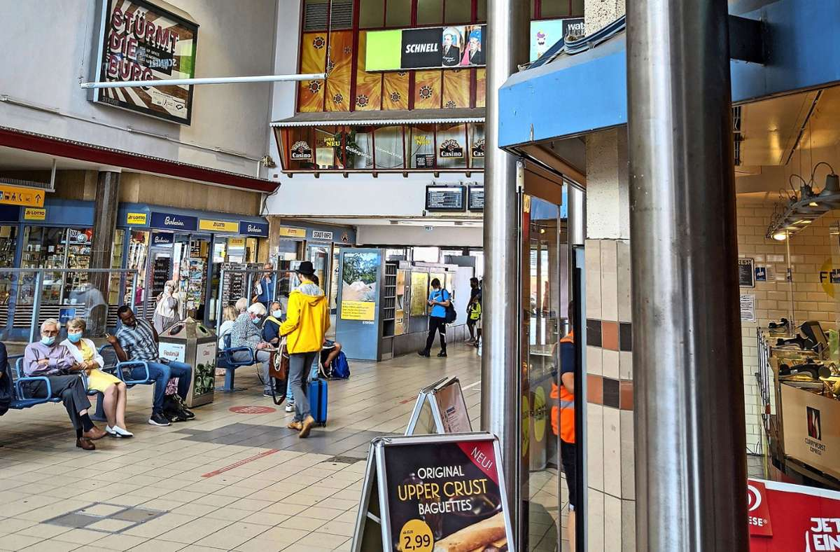 Im Ulmer Bahnhof weht der Charme vergangener Jahrzehnte. Foto: