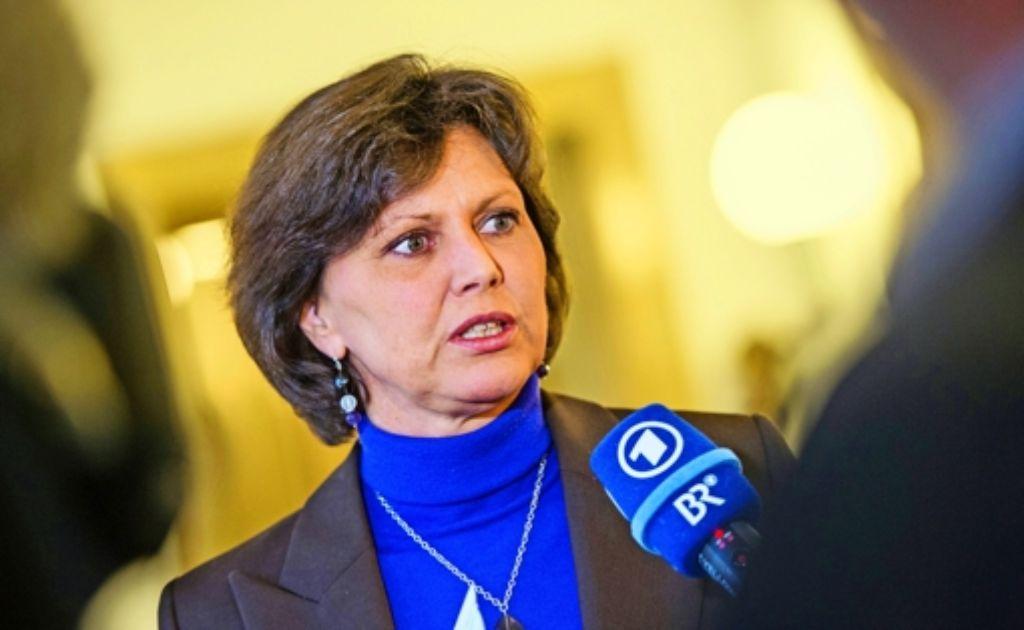 Wirtschaftsministerin Ilse Aigner hat CSU-Parteichef Horst Seehofer in der Energiepolitik widersprochen. Doch der mag das gar nicht. Foto: dpa
