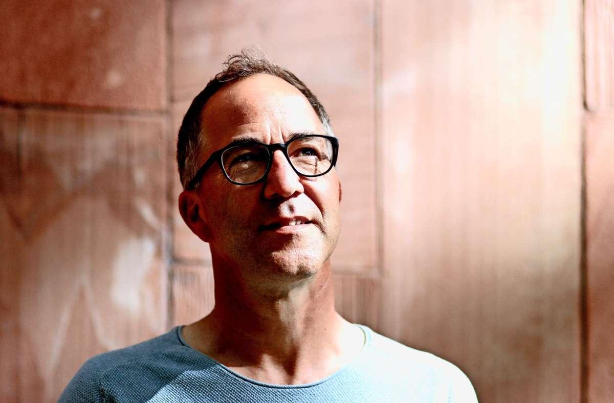 Jürgen Hörig macht an diesem Freitagabend den Auftakt bei der  Live-Reihe in Winnenden Foto: Charlotte Obertreis