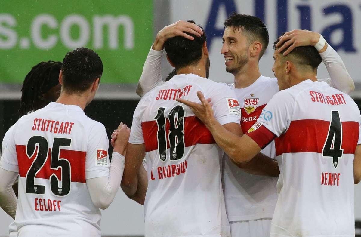 Jubel beim VfB Stuttgart: In den nächsten beiden Partien kann der Favorit den Aufstieg klarmachen. Foto: Baumann