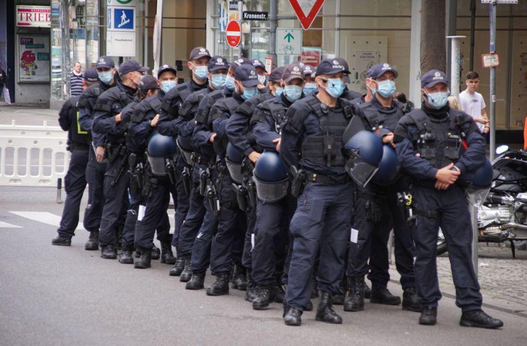 Die Einsatzkräfte wurden mit Sprechchören beleidigt. Foto: 7aktuell.de/Andreas Werner
