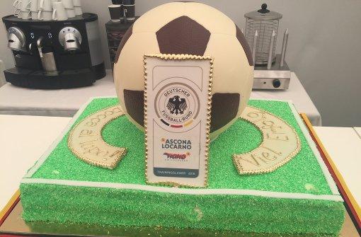 Ein Marzipanball für die Weltmeister