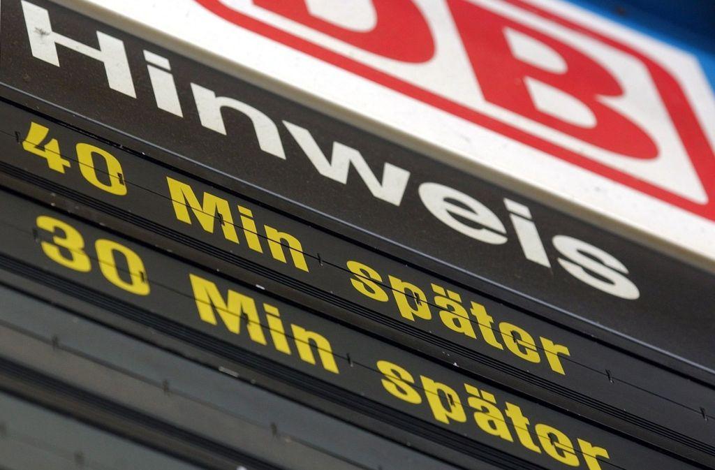 Die Deutsche Bahn entschädigt tausende Besitzer von Jahreskarten in Baden-Württemberg. Foto: dpa