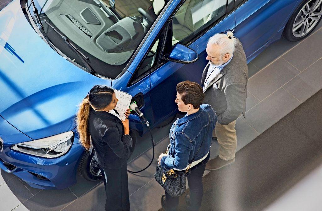 Die Erstberatung beim Verkauf von Elektroautos ist aufwendig, sagen Händler Foto: Mauritius