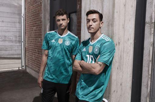 DFB enthüllt WM-Auswärtstrikot