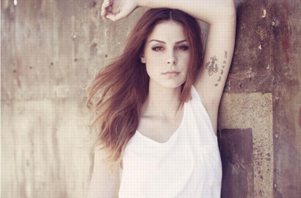 Lena sieht aus wie Lana Del Rey, singt aber weiterhin auch für die ganz junge Zielgruppe. Da fragt man sich: wer will sie überhaupt sein? Foto: Sandra Ludewig