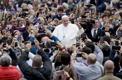 Papst Franziskus spendet Segen und betet für Sri Lanka