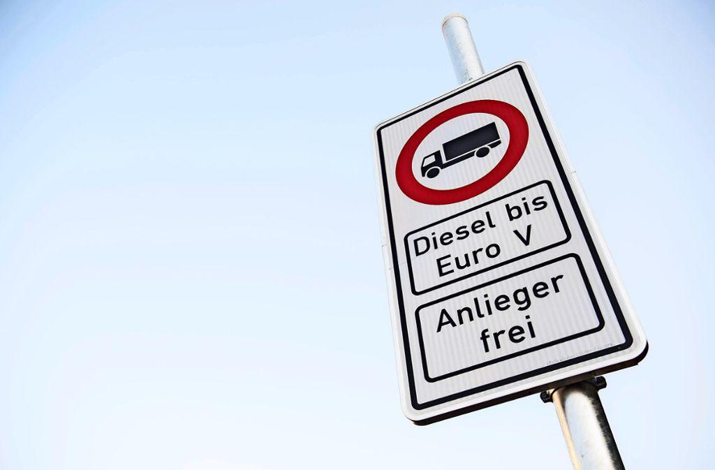 Das Gericht sieht die Maßnahmen zur Luftreinhaltung als zu wenig ambitioniert an. Foto: dpa/Daniel Bockwoldt