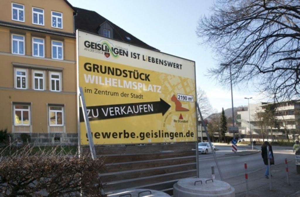 Auch am Wilhelmsplatz ist ein Grundstück zu haben. Foto: Horst Rudel