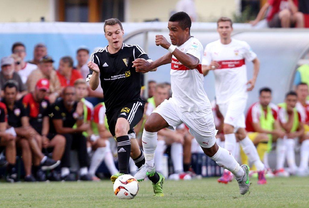 Daniel Didavi spielt stark und ist später leicht verletzt. Foto: Pressefoto Baumann