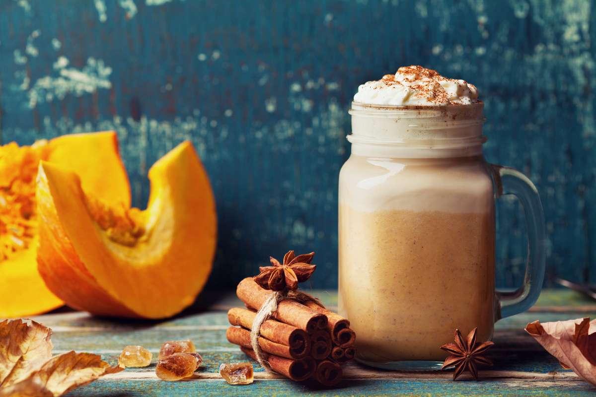 Pumpkin Spice Latte Foto: Julia Sudnitskaya/Shutterstock