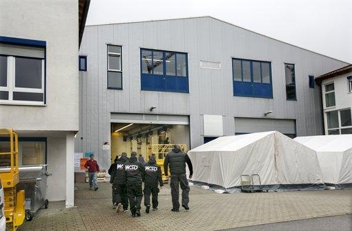 230 Männer in Gewerbehalle untergebracht