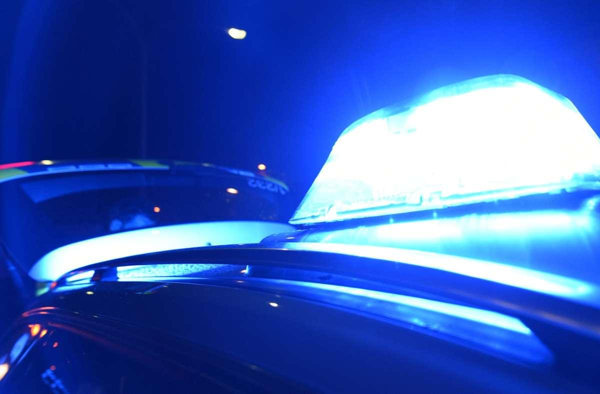 Den entstandenen Schaden schätzt die Polizei auf etwa 3.000 Euro (Symbolbild). Foto: picture alliance / /Patrick Seeger