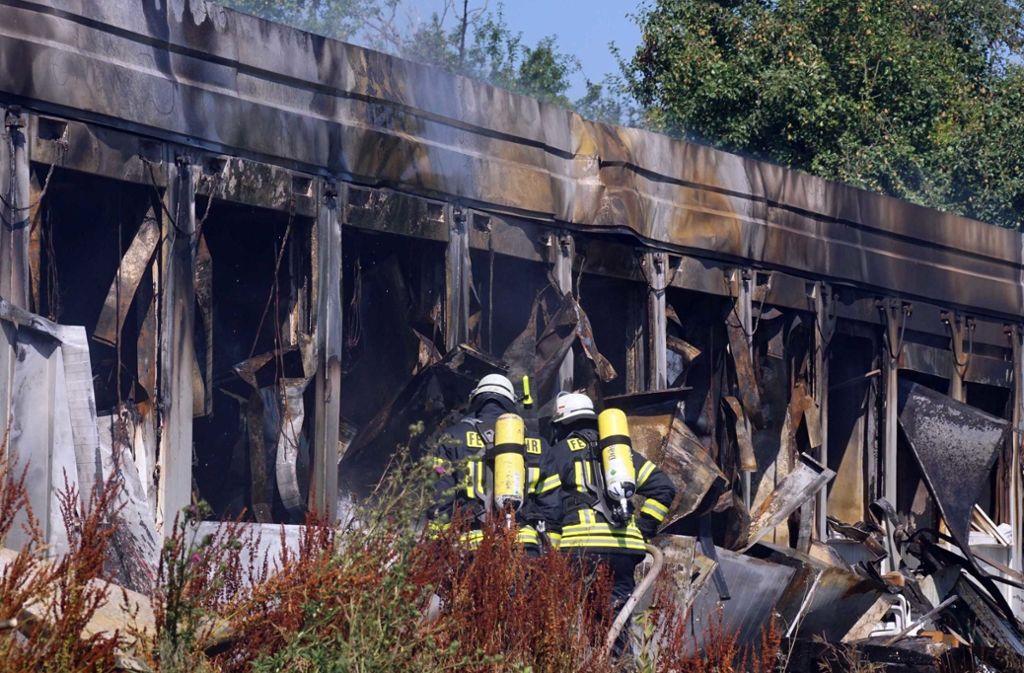 50 Wohncontainer wurden durch den Großbrand zerstört. Foto: dpa