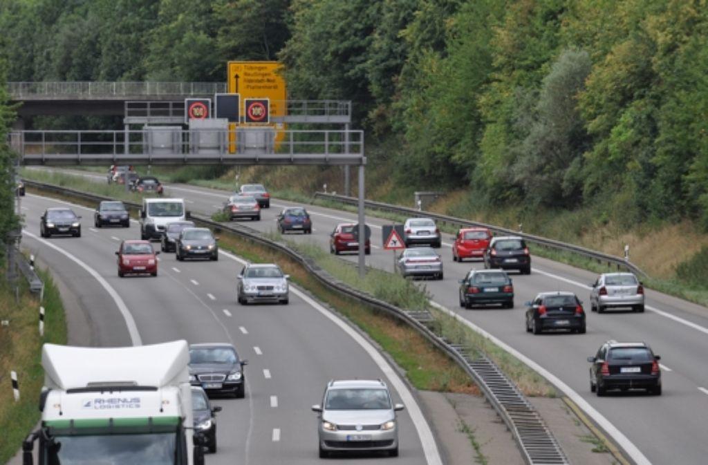 Bis zu 80000 Autos fahren täglich auf der B27 zwischen Leinfelden-Echterdingen und Aich. Foto: Norbert J. Leven