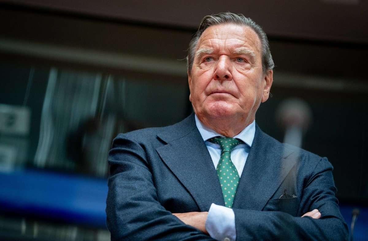 Altkanzler Gerhard Schröder ist verärgert. Foto: dpa/Kay Nietfeld