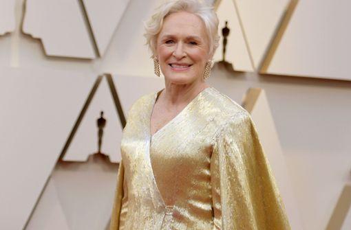 Sie schwebt im 19-Kilo-Kleid über den Oscar-Teppich