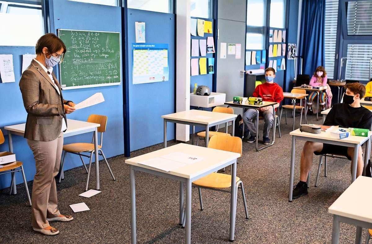 Die Schulen sollen spätestens nach den Sommerferien in allen Ländern in den Regelbetrieb zurückkehren. Foto: dpa/Sven Hoppe