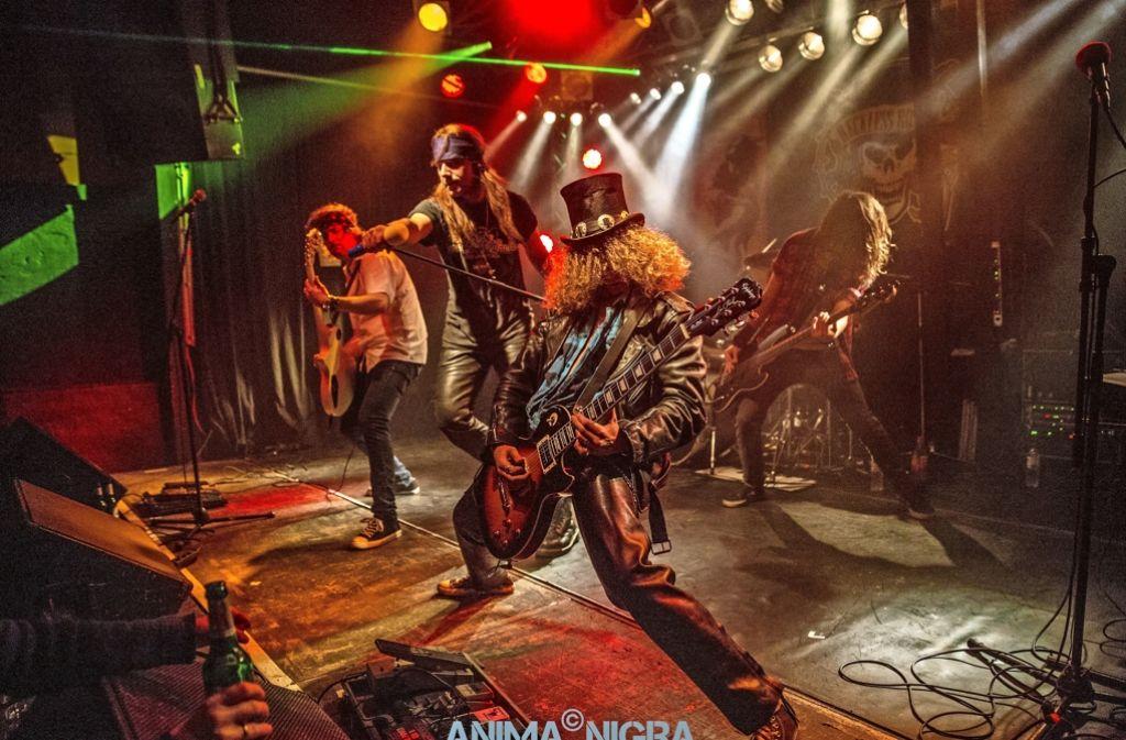 Die Guns n' Roses Coverband Reckless Roses ist auch zu sehen. Foto: Anima Nigra