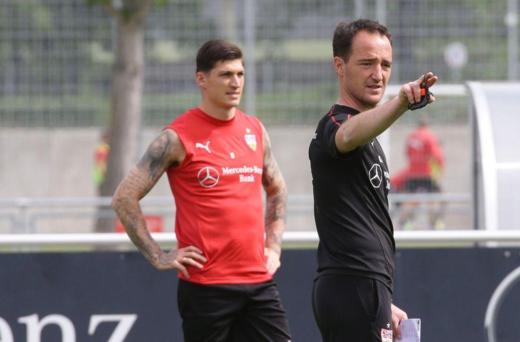 Interimstrainer Nico Willig (vorn) und Steven Zuber, der später das Training abbrechen musste. Foto: Pressefoto Baumann