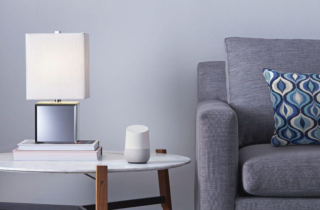 """Den """"Google Home""""-Lautsprecher gibt es ab Anfang August nun auch in Deutschland zu kaufen. Foto: Google/dpa"""