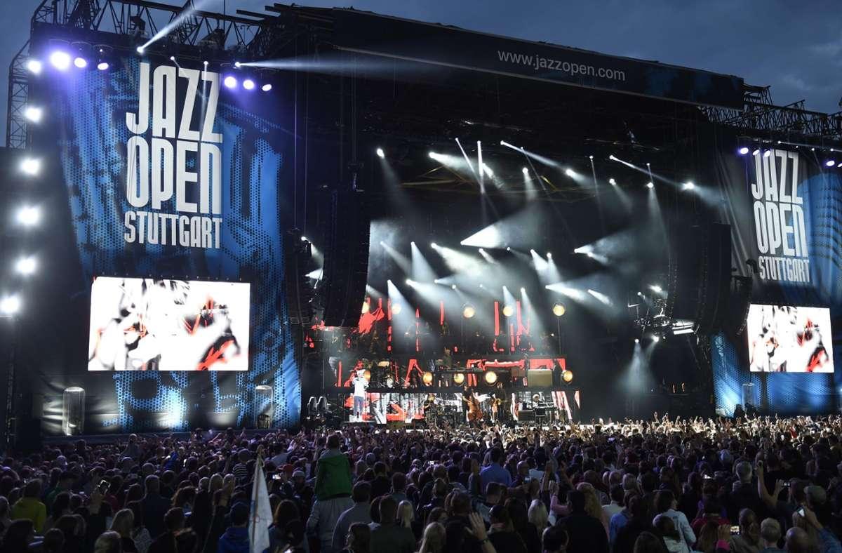 Dieses Bild erhoffen sich die Jazz Open-Macher  trotz Corona im September vor dem Neuen Schloss in Stuttgart Foto: Opus