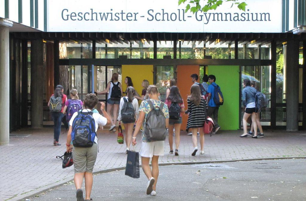 Es gibt noch viele Fragezeichen bezüglich der Zukunft des Geschwister-Scholl-Gymnasiums. Klar ist indes: Die Schule muss entweder neu gebaut oder saniert werden. Foto: Archiv Sägesser