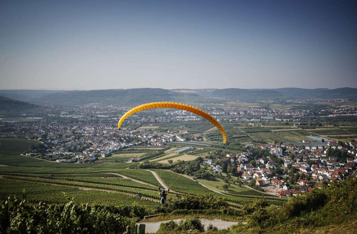 Im Remstal ist eine Gleitschirmfliegerin verunglückt (Archivbild) Foto: Gottfried Stoppel