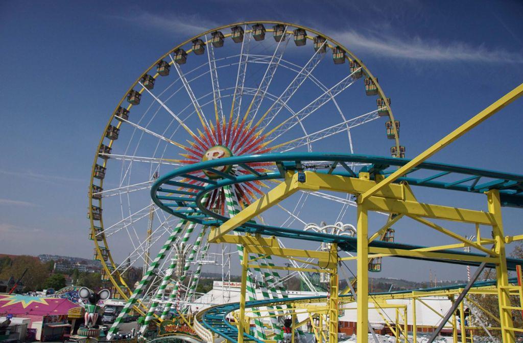 Das Riesenrad gehört zu den Wahrzeichen des Frühlingsfestes. Foto: Andreas Rosar Fotoagentur-Stuttg